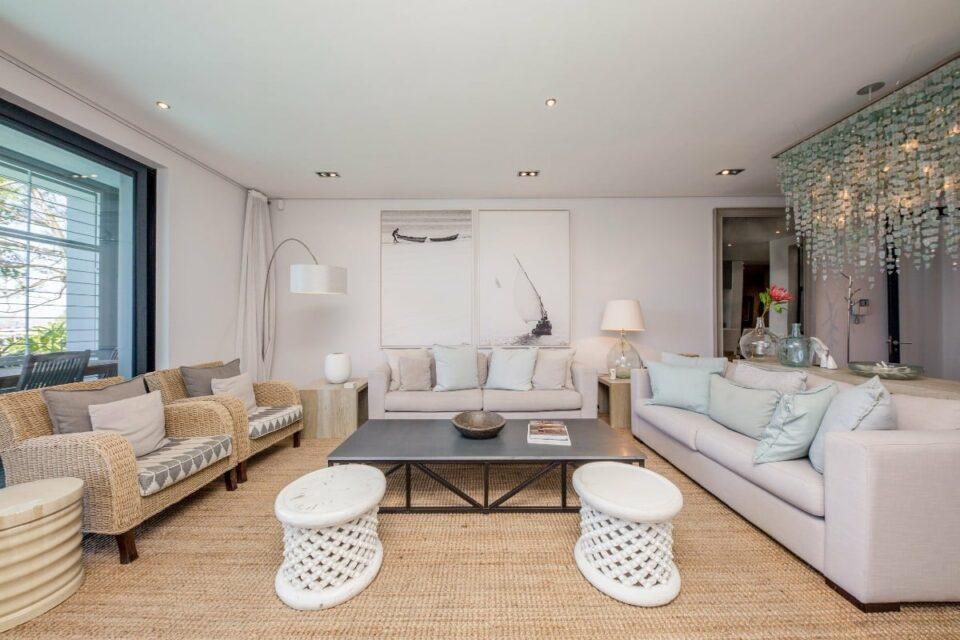 Loader Apartment - Living room