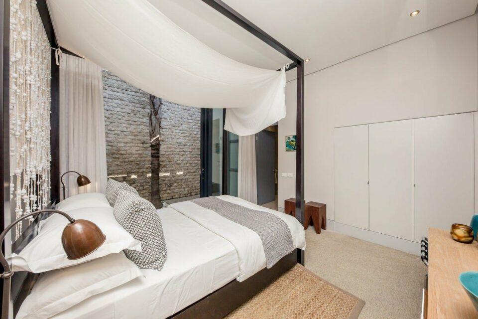 Loader Apartment - Master bedroom