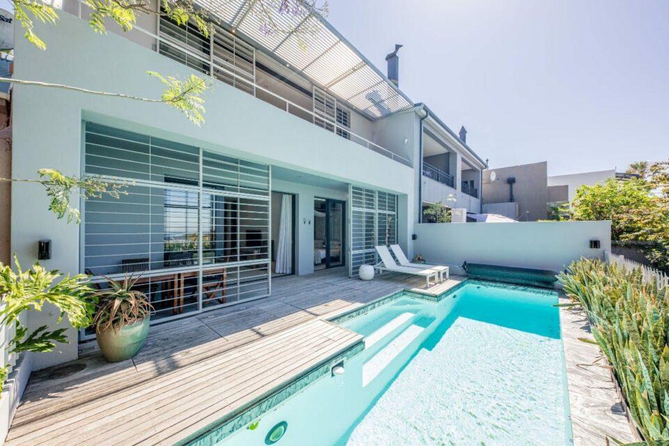 Loader Apartment - Pool deck