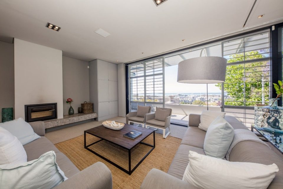 Loader Penthouse - Lounge with fireplace