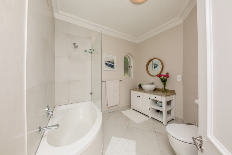 Secret Tranquility - En-suite to second bedroom