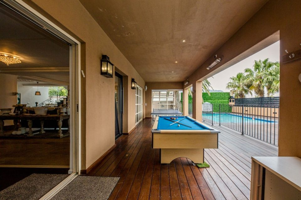 The Grange - Pool & table tennis table
