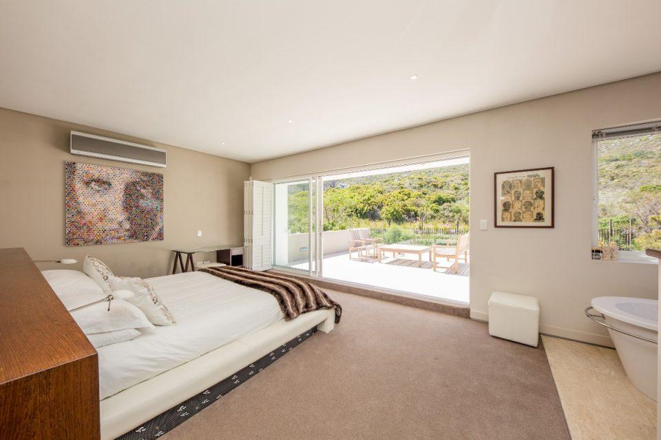 Theresa Views Villa - Master bedroom