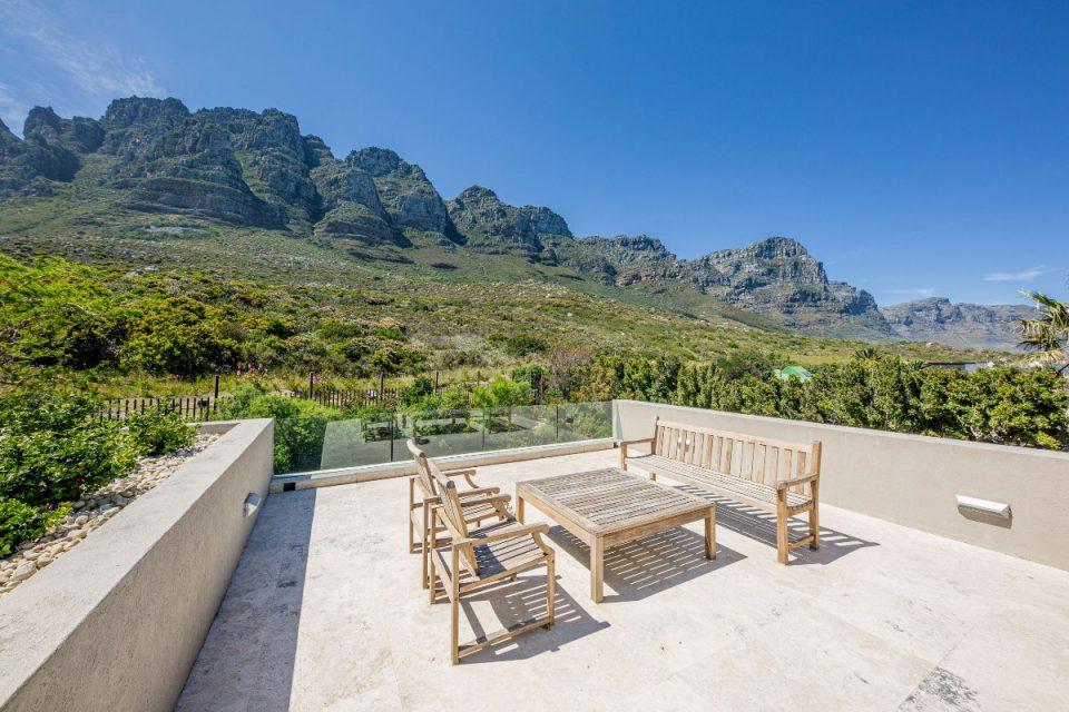Theresa Views Villa - Deck with mountain views