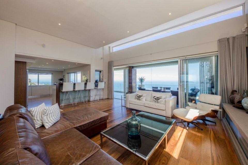 Theresa Views Villa - Formal lounge