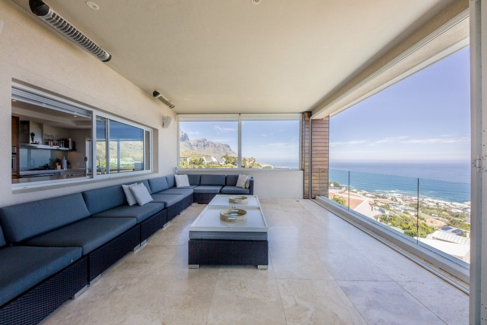 Theresa Views Villa - Outdoor living area