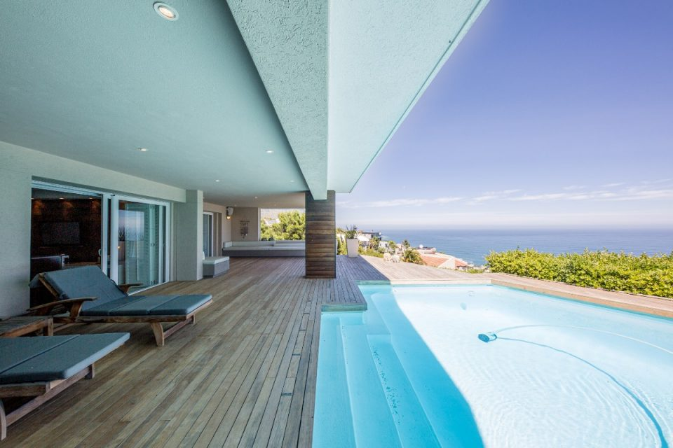 Theresa Views Villa - Pool deck