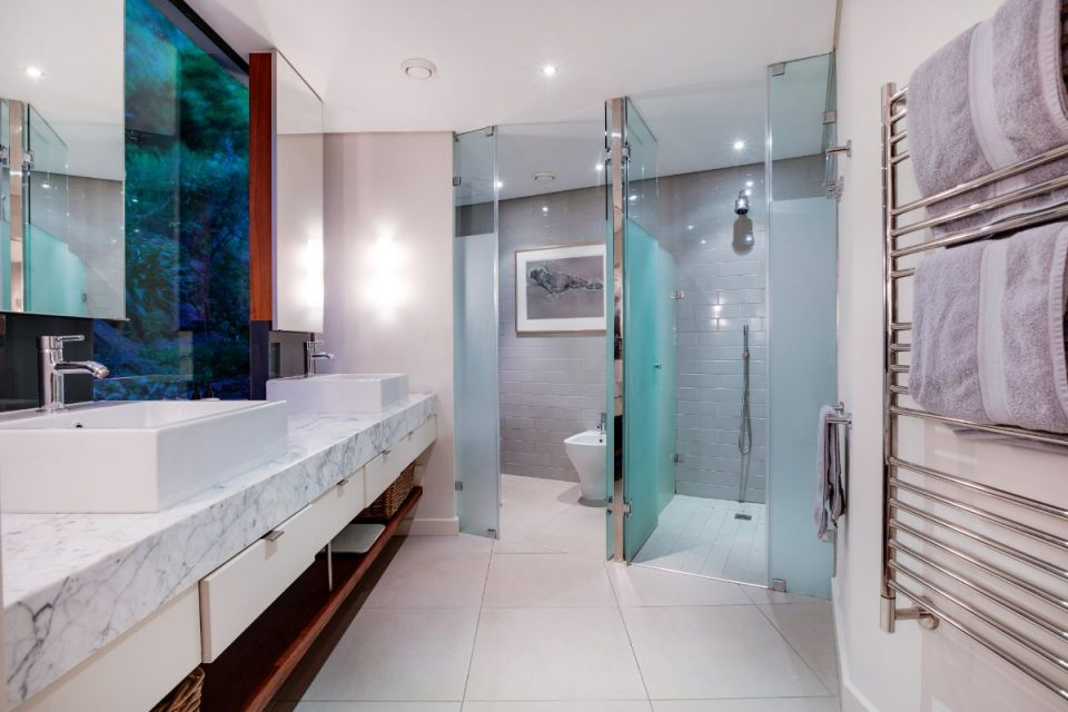 Eames Villa - Master En-suite