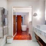 Eames Villa - Master En-suite 2