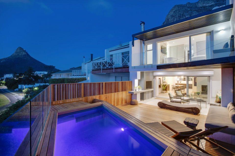 Malibu - Exterior & Pool deck