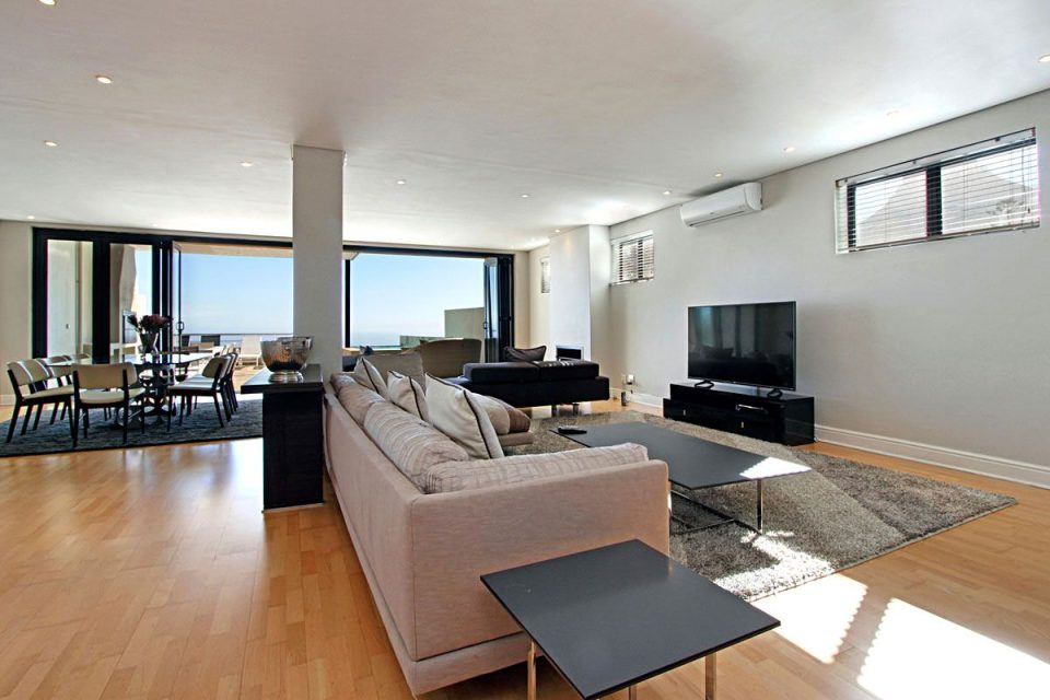 Medburn Views Penthouse - Open Plan