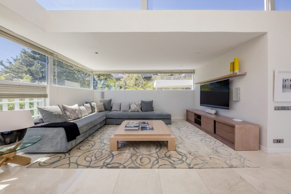 Top Views - Tv Lounge