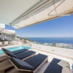 Top Views - Sun loungers & view