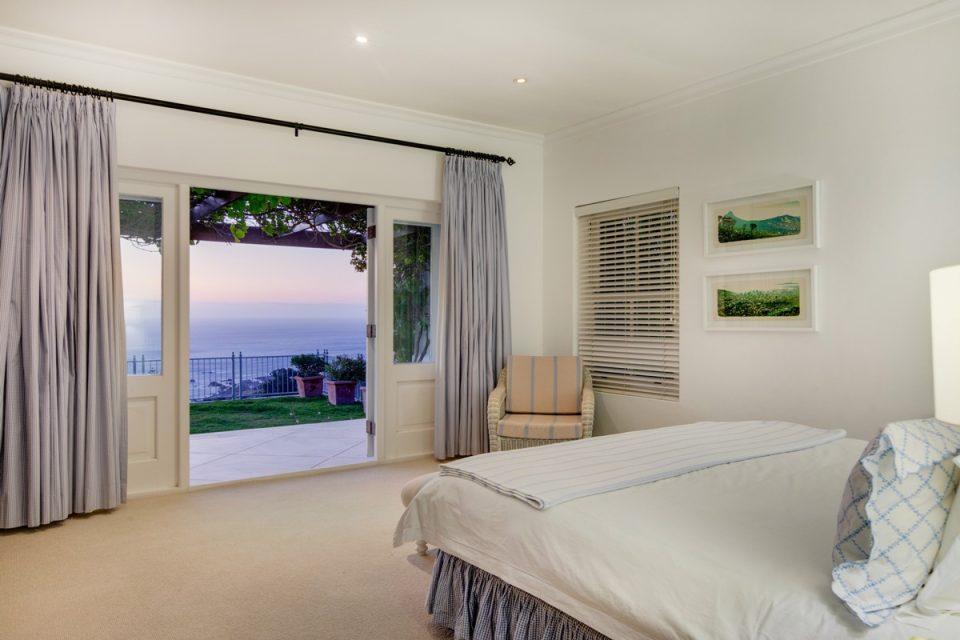 Overkloof - Master bedroom