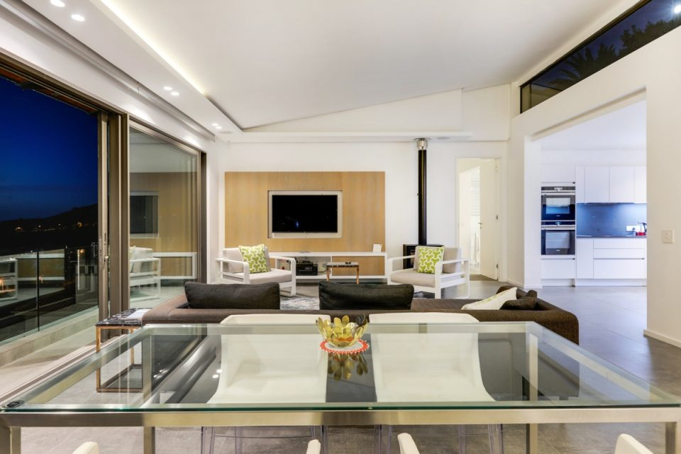 Skyline Penthouse - Living area