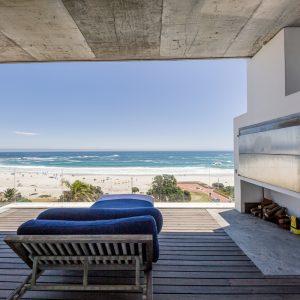 15 Views Penthouse - Balcony & Braai