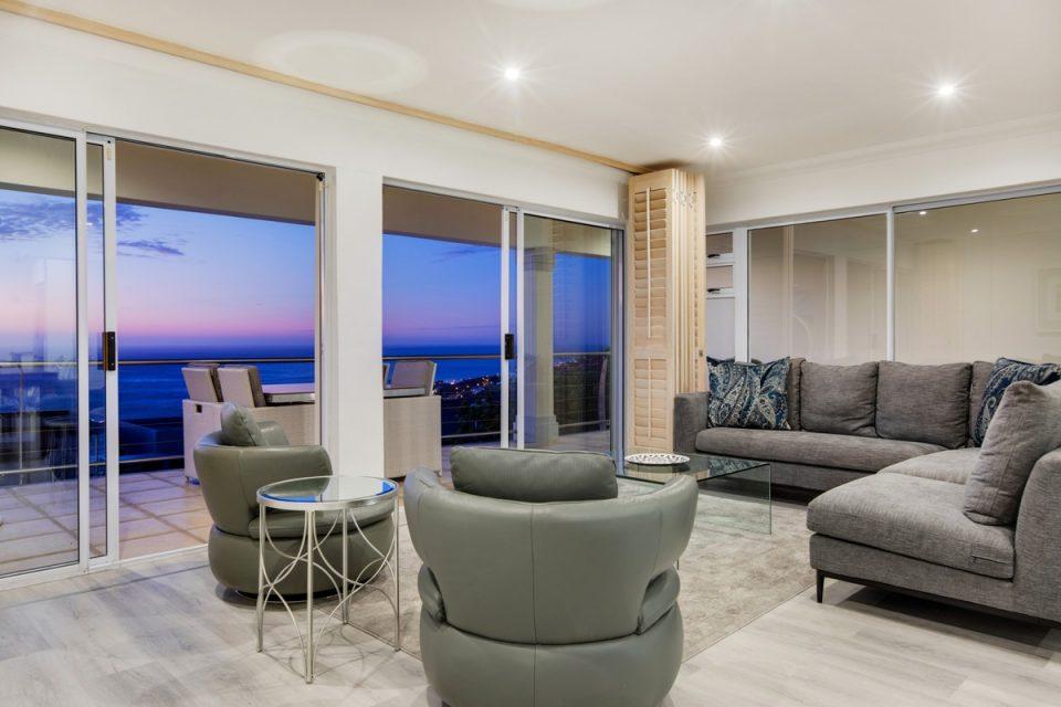 Alpha on the Bay - Formal lounge