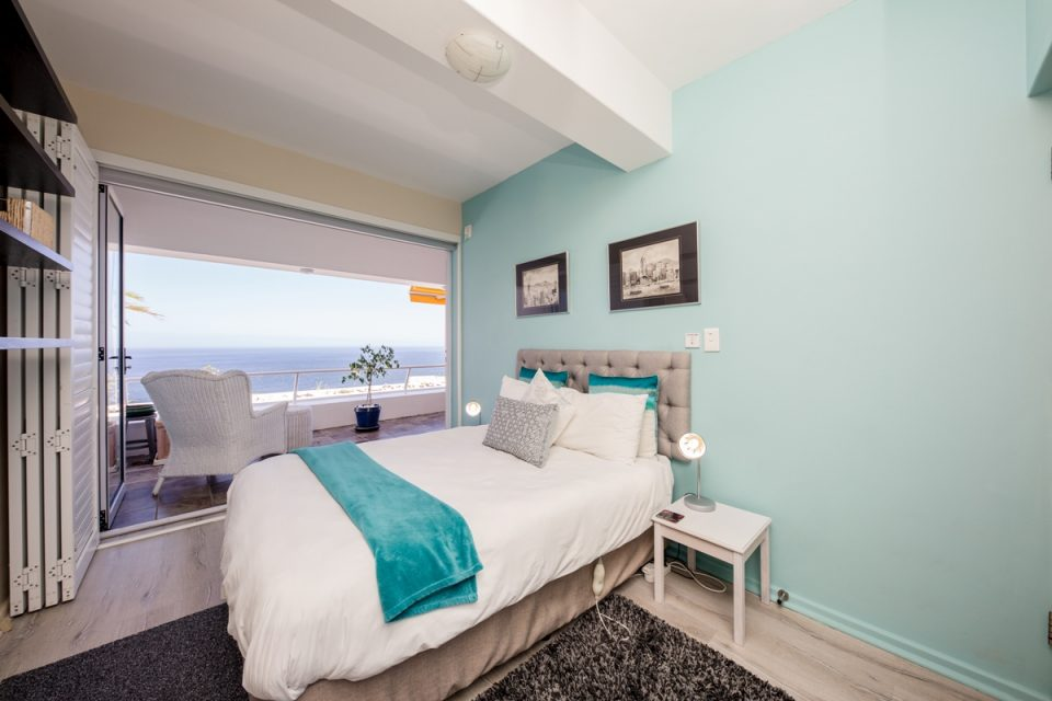 Benoa - Second bedroom with a view