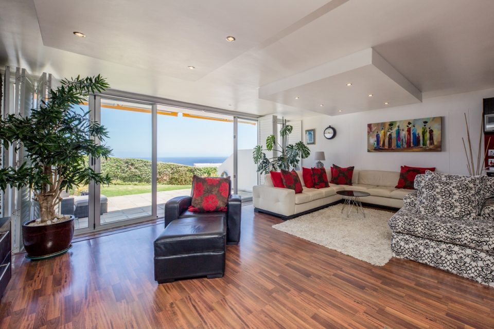 Benoa - Living room