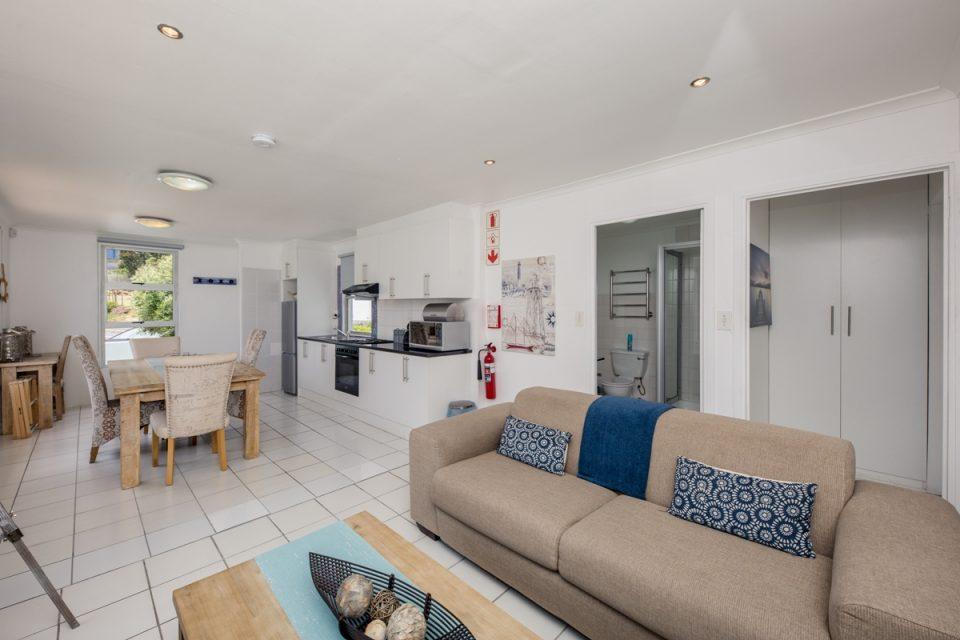 Indigo Bay  - The Penguin - Open-plan living room