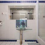 Indigo Bay  - The Penguin - Second bathroom