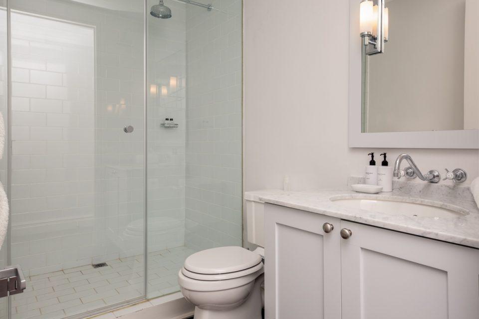 Caliche - Dedicated bathroom