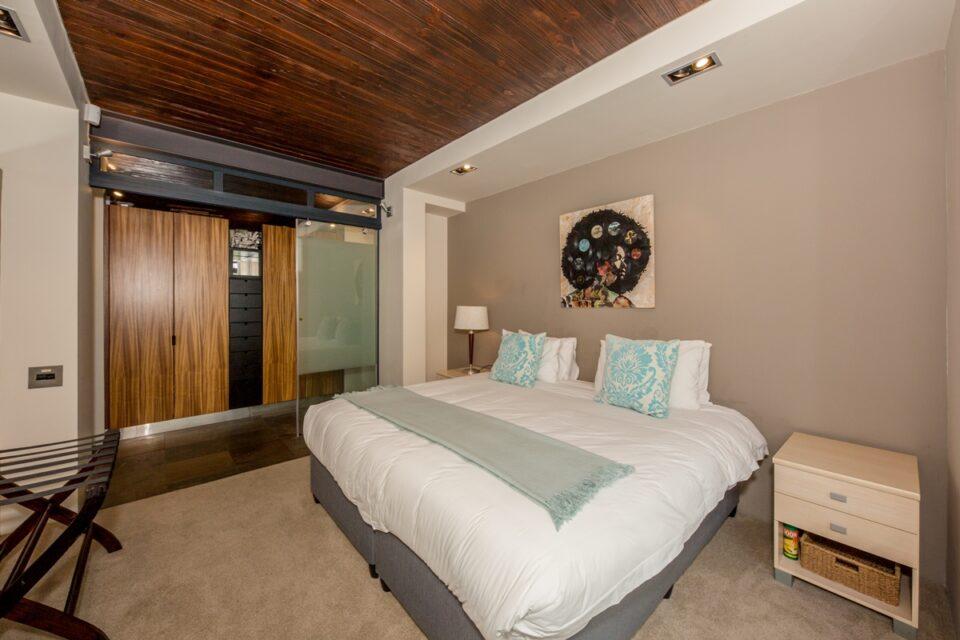 Rhine Stone - Bedroom 2 en-suite