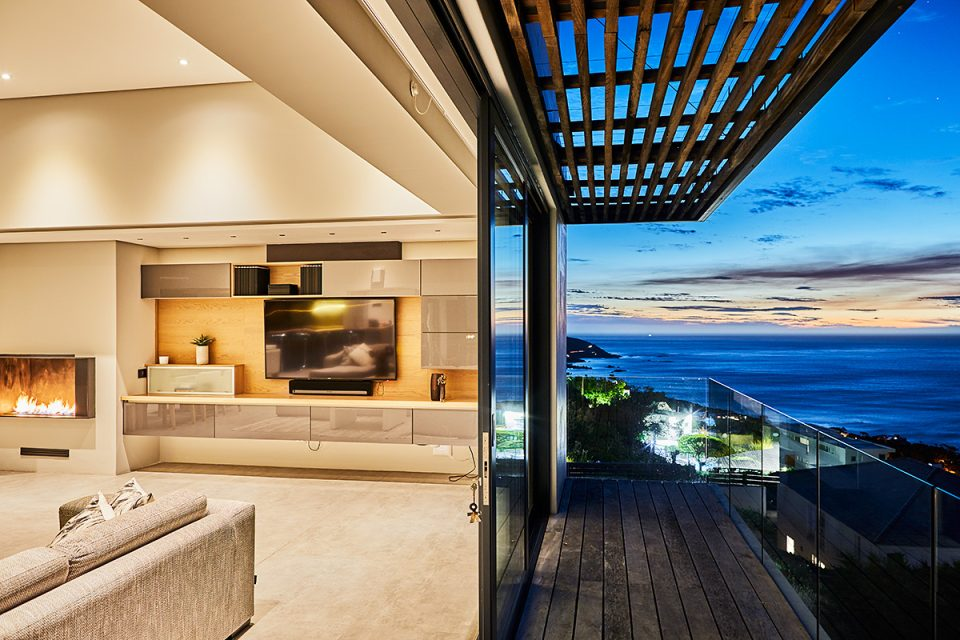 Halo Villa - Top Balcony from Lounge