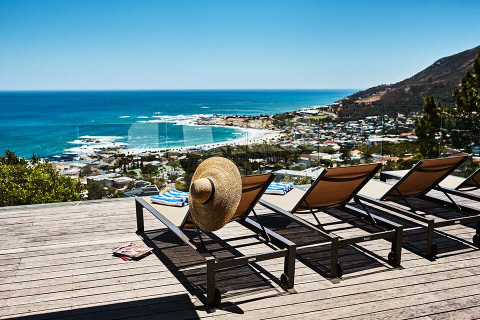 Halo Villa - Sunloungers and Sea Views