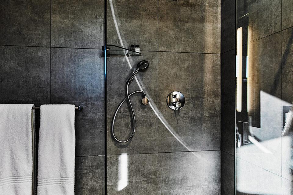 Halo Villa - Shower