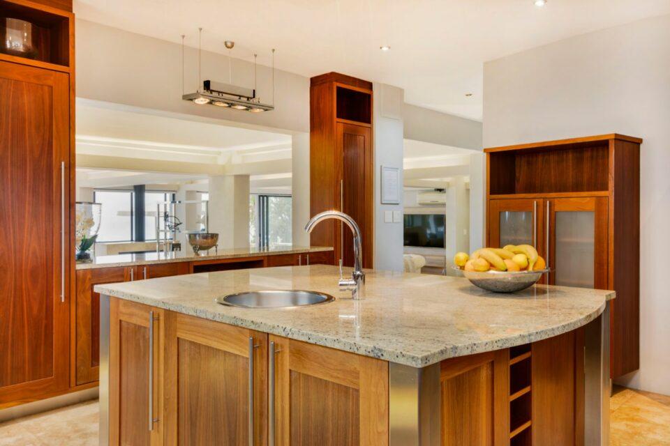 Wescamp Villa - Island Kitchen