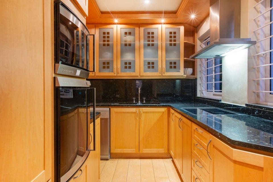 The Heron - Kitchen