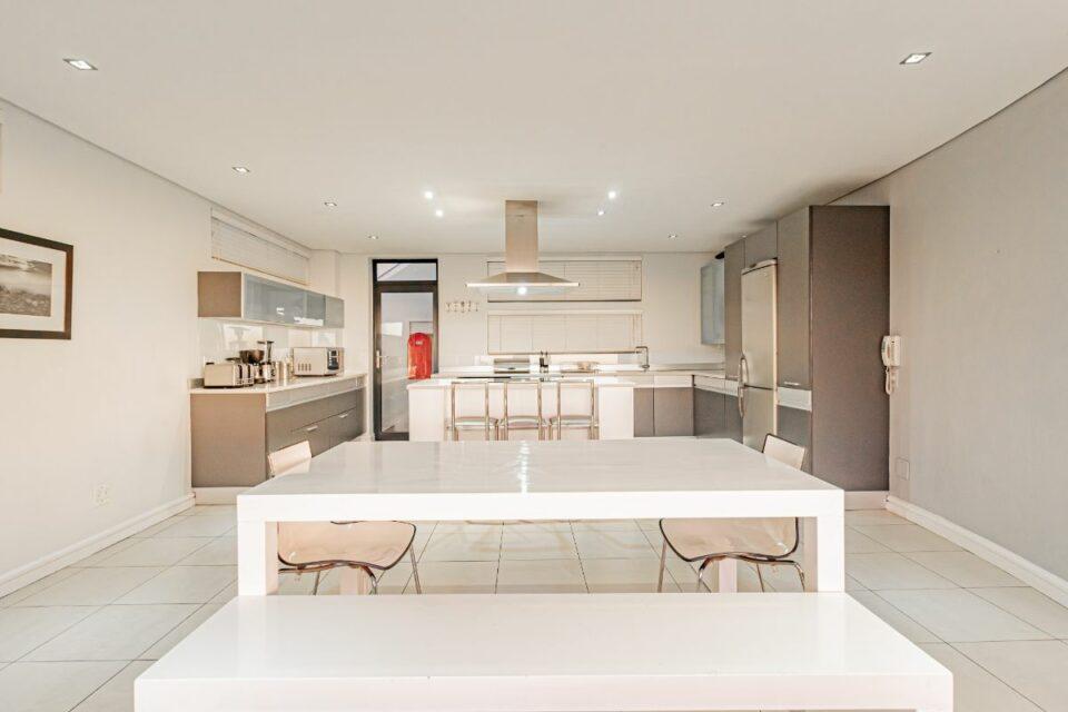 17 Geneva Drive - Kitchen