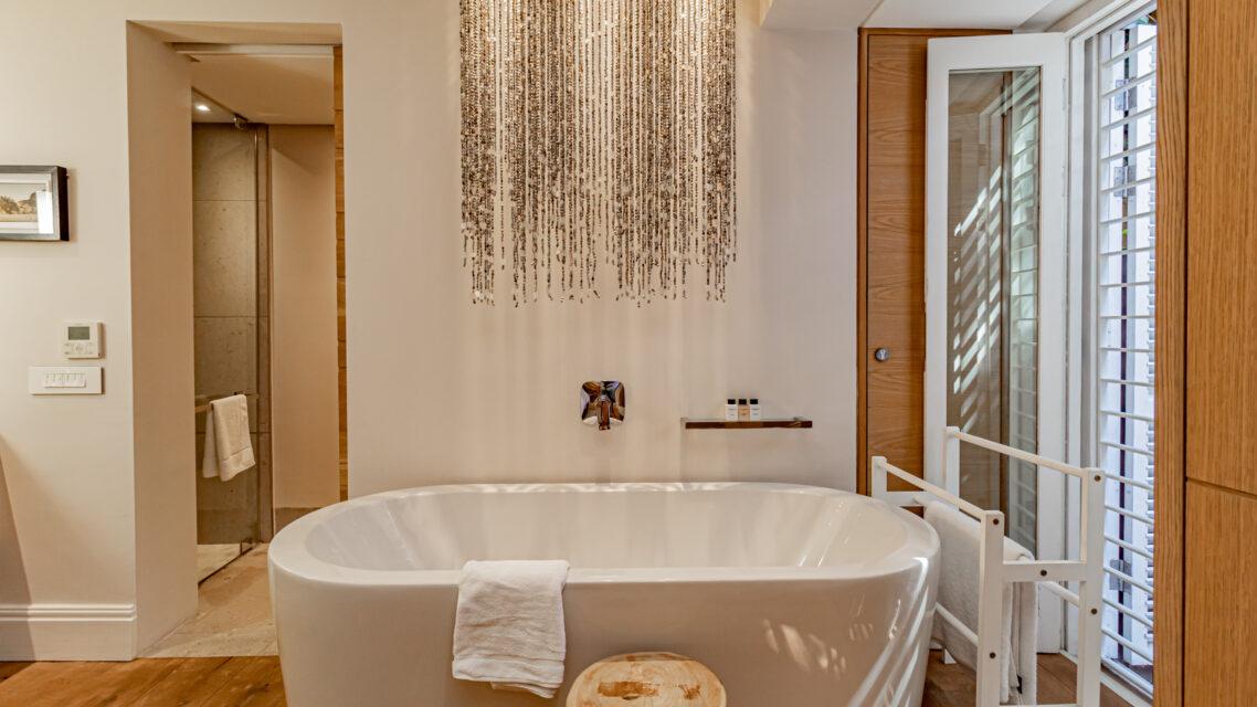53 Napier - Second En-suite Bathroom