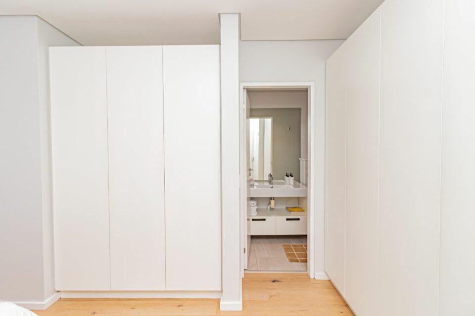 9 on S - Third Bedroom En-suite