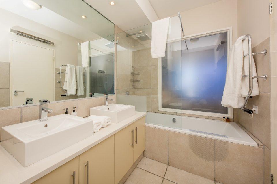 Albright - Master bathroom