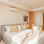Alpha Sunsets - Master bedroom en suite