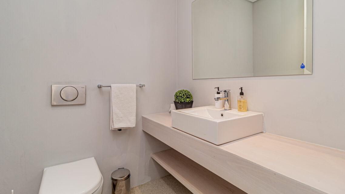 Casablanca - En-suite Bathroom