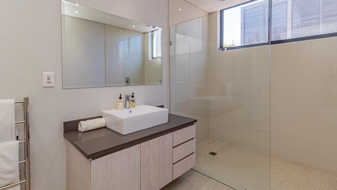 Casablanca - Shower Room