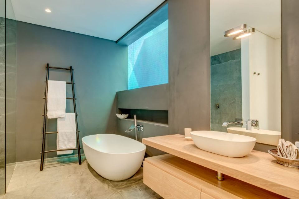 Coral Sea - Bath and Shower