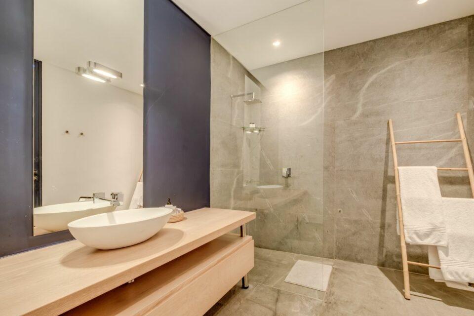 Coral Sea - Bathroom