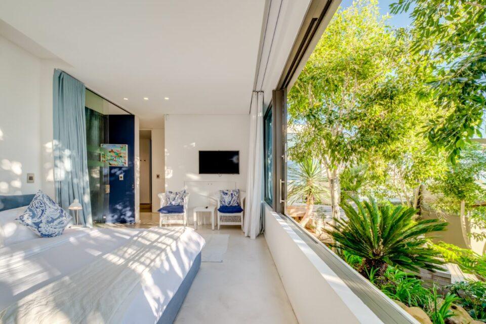 Coral Sea - Main Bedroom