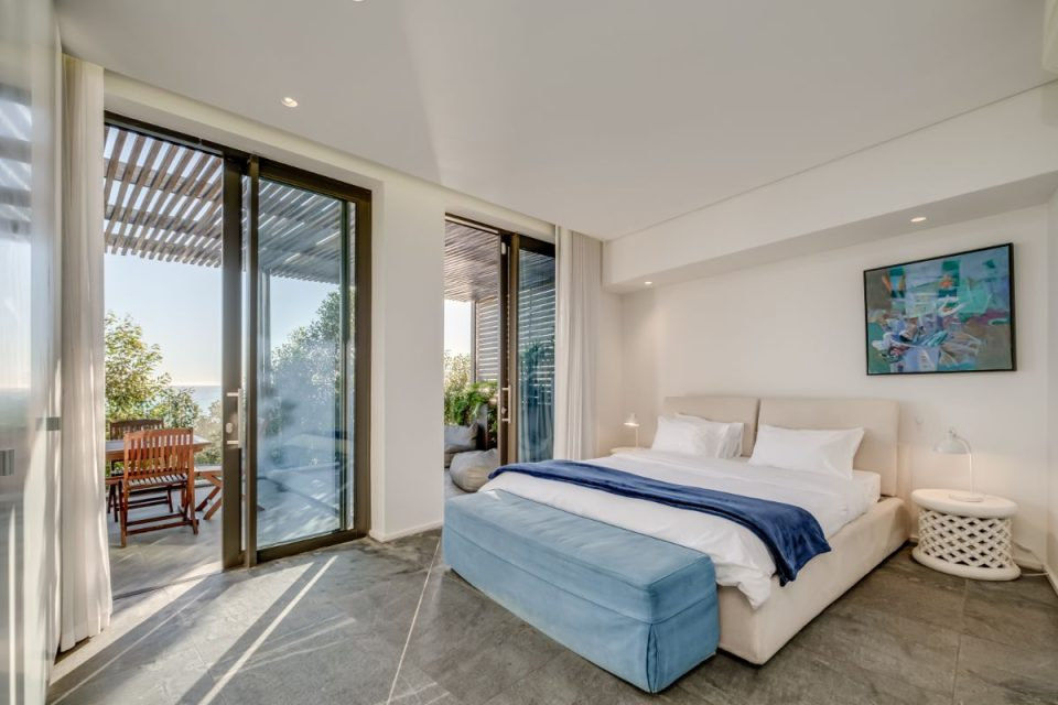 Coral Sea - Second Bedroom with Deck Access