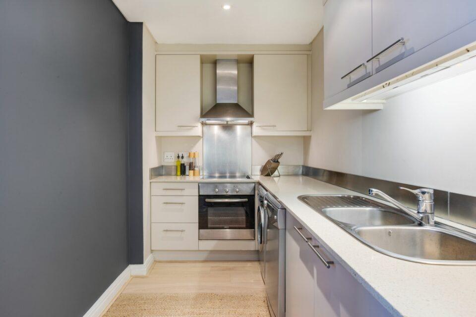 Dunmore Apartment - Modern Kitchen