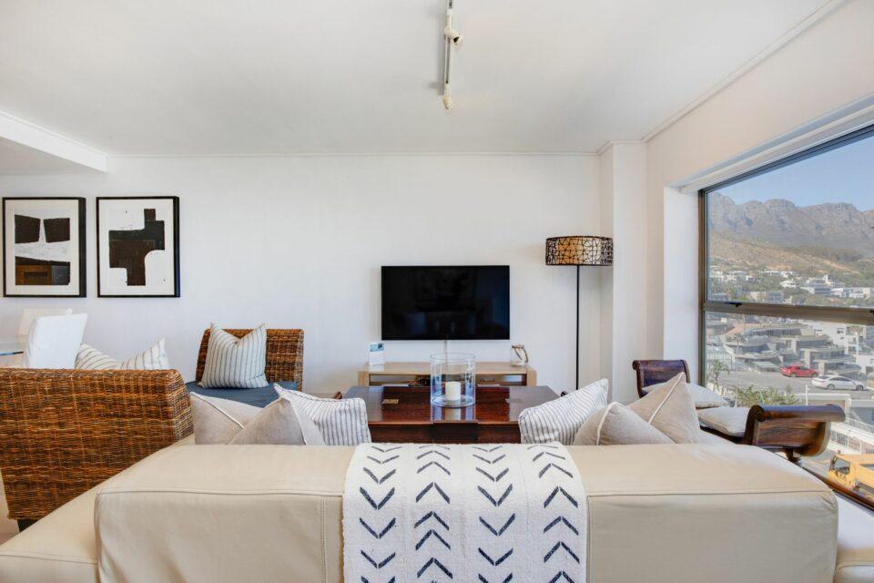 Dunmore Apartment - TV Lounge