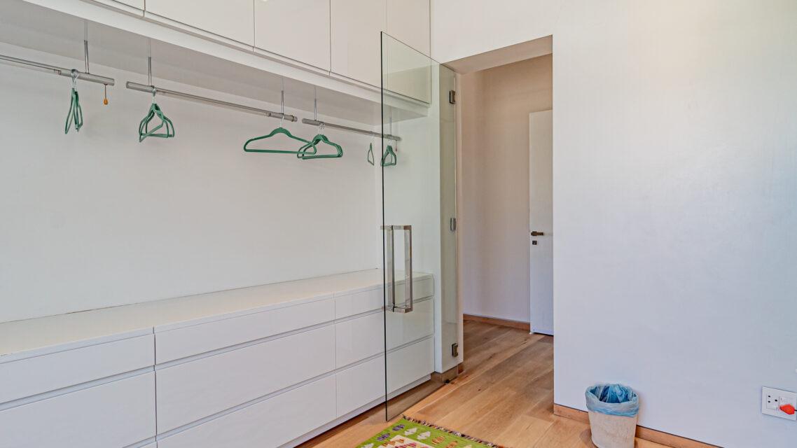 Hamaya - Dressing Room
