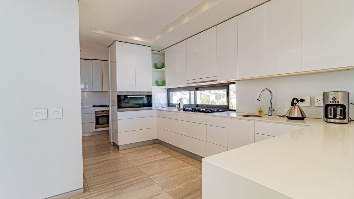Hamaya - Kitchen with Scullery