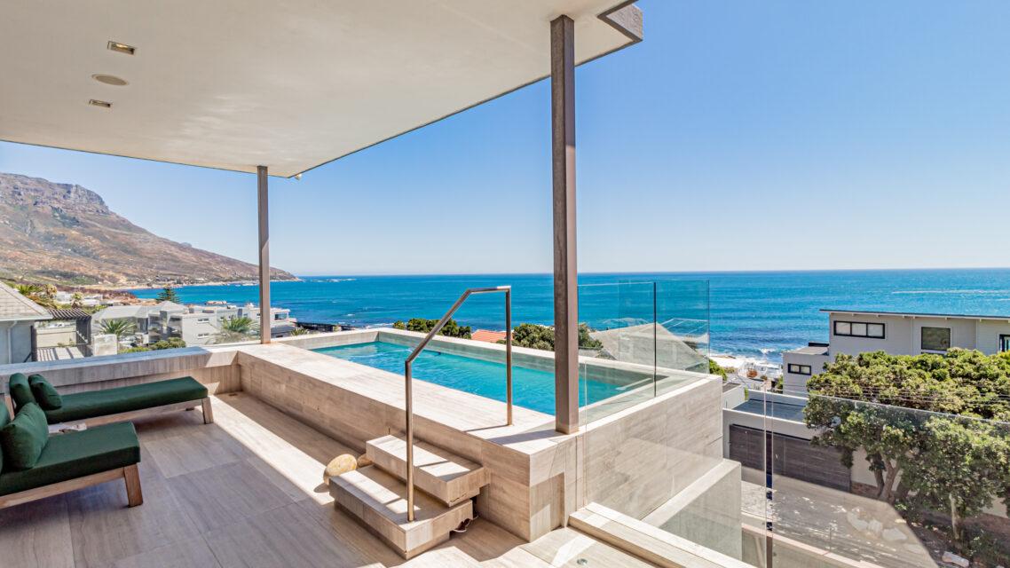 Hamaya - Pool with View