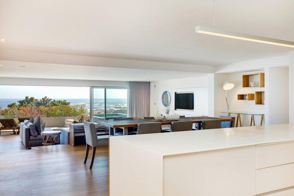 Lillamton - Kitchen with Views