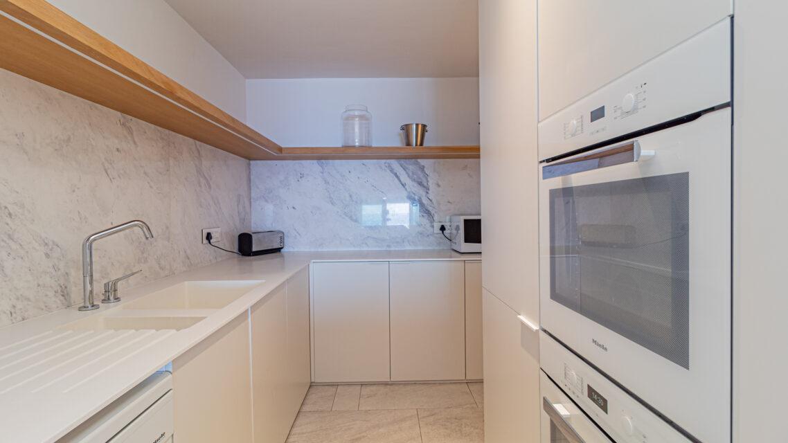 Onyx - Kitchen